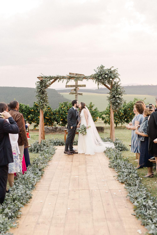Casamento original e minimalista na fazenda, da Carolina e do Felipe, casamento na fazenda, fazenda para casar, casamento ao ar livre, casamento de luxo na fazenda, casamento de luxo, casamento elegante, minimalismo, fotografia e filme de casamento, fazenda no interior de são paulo